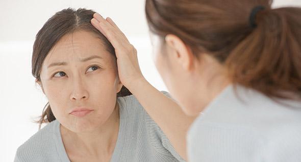 女性の脱毛症